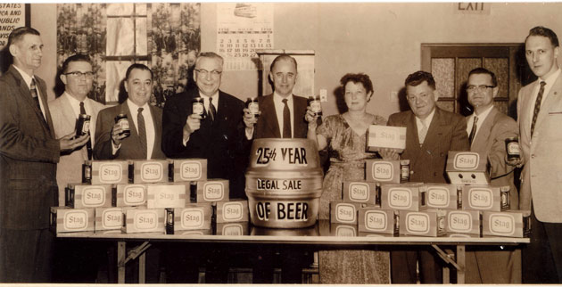 Celebration of the 25th year of legal sale of beer at the Carling Western Brewery, 1958